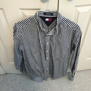 Tommy Button-Down